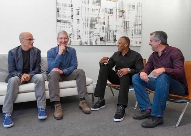 Jimmy Iovine, Tim Coock, Dr. Dre  et un geek millionnaire